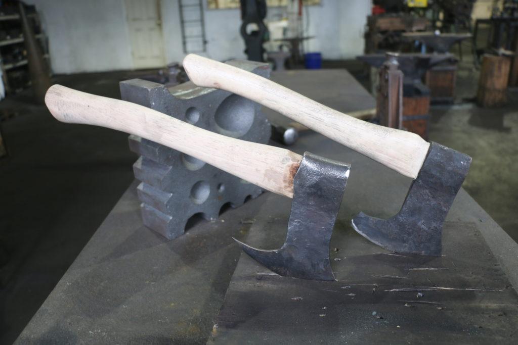 Blacksmithing: Build a Hatchet